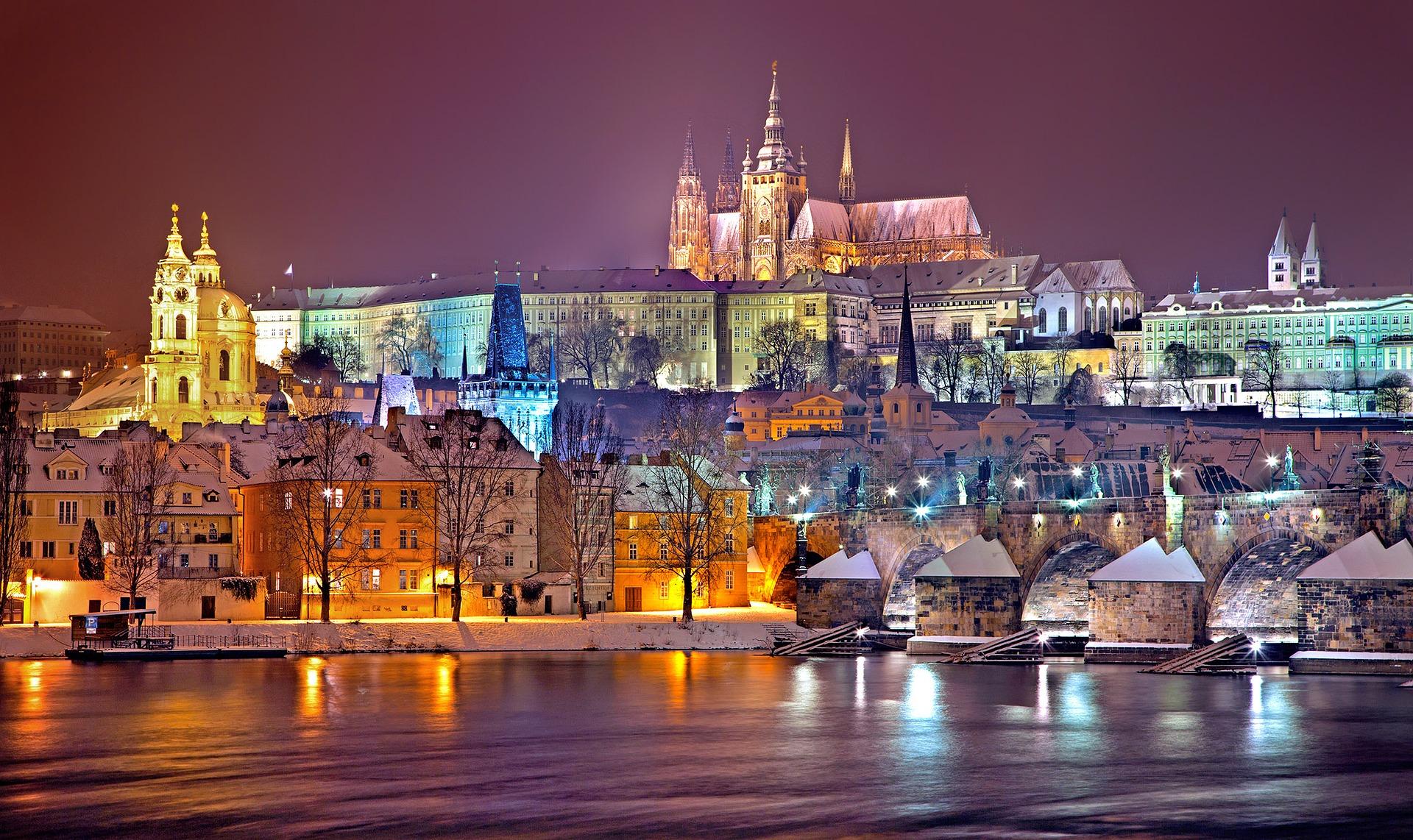 Loty do Pragi